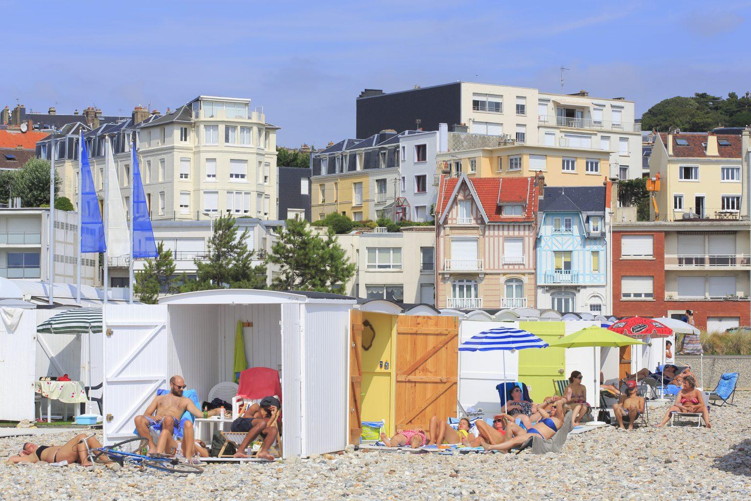 Cabanes détente sur la plage du Havre