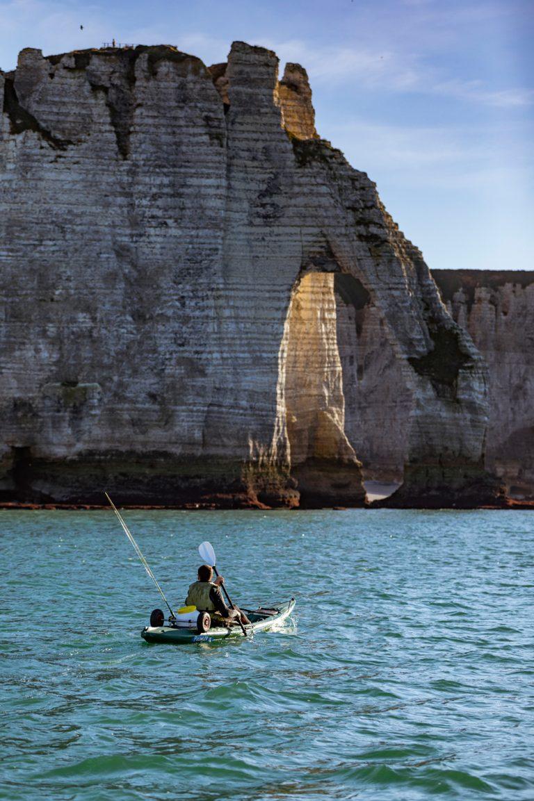 Balade en kayak près de la falaise d'Etretat