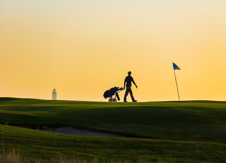 Golfeur sur le parcours 18 trous du Golf d'Etretat