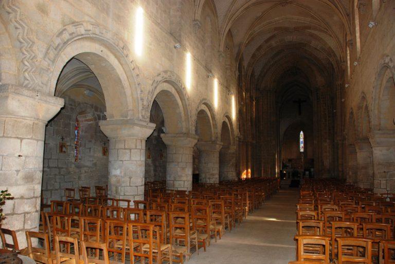 Intérieur de l'église Notre-Dame d'Etretat