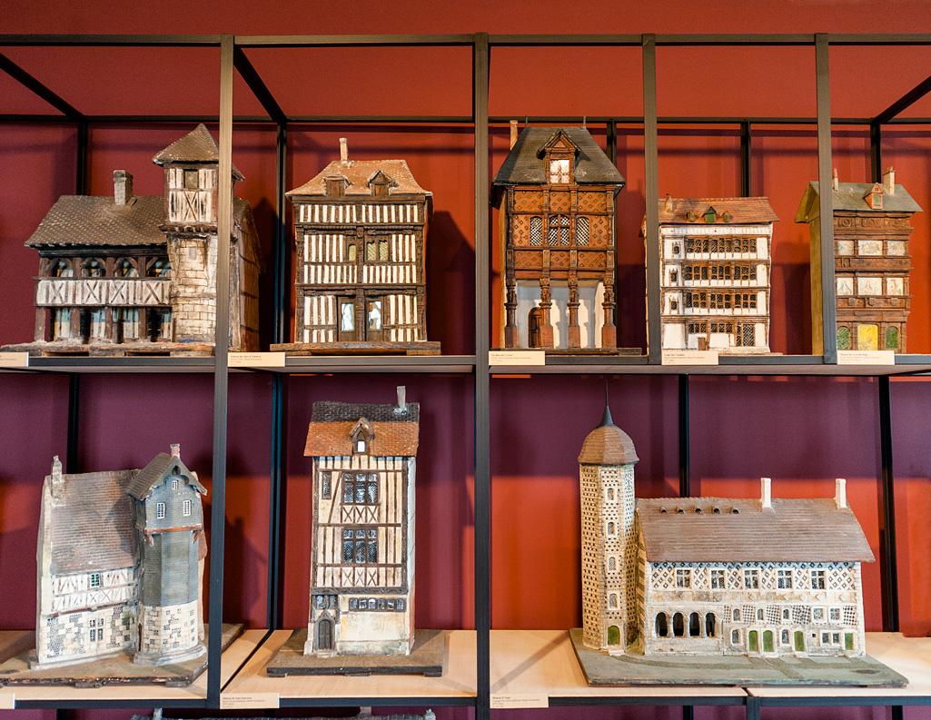 La collection de maquettes de maisons et édifices de l'abbaye de Graville