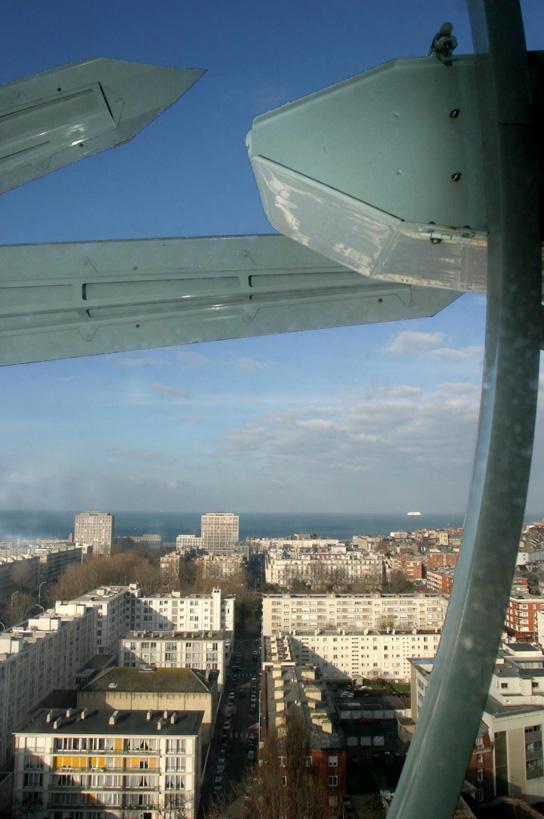 Vue sur la mer du haut de la tour de l'Hôtel de Ville