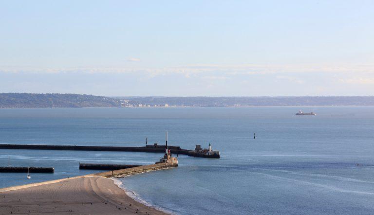 Les digues Nord et Sud du port du Havre