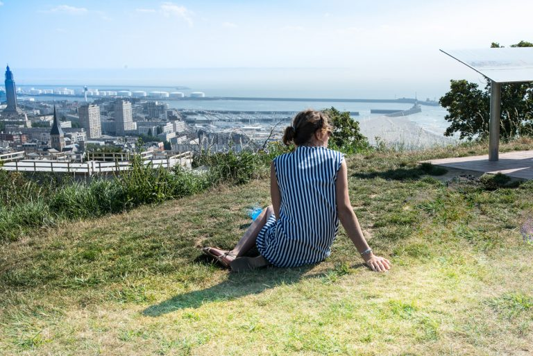 Vue imprenable sur le port et la ville depuis les Jardins Suspendus