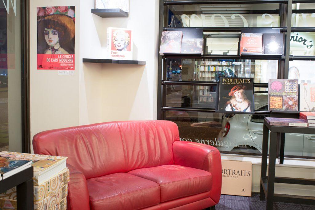 La Galerne vous propose de nombreux fauteuils et canapé pour découvrir ses nombreux livres