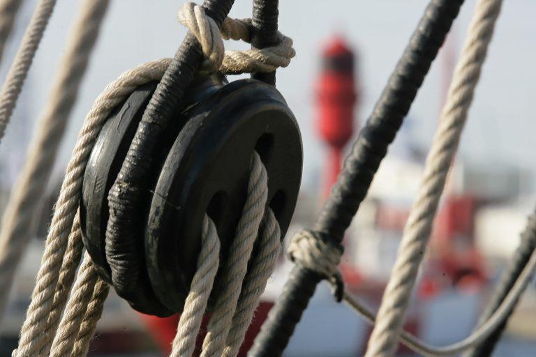 Poulie et cordage d'un bateau de la Transat Jacques Vabre