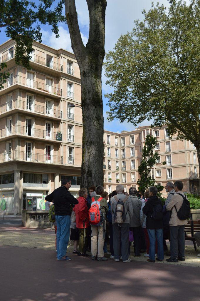Groupe en visite au square Saint-Roch du Havre