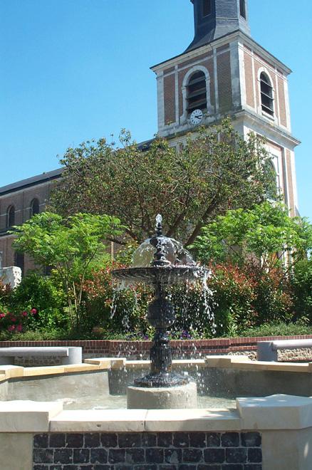 La fontaine et l'église de Saint-Romain-de-Colbosc