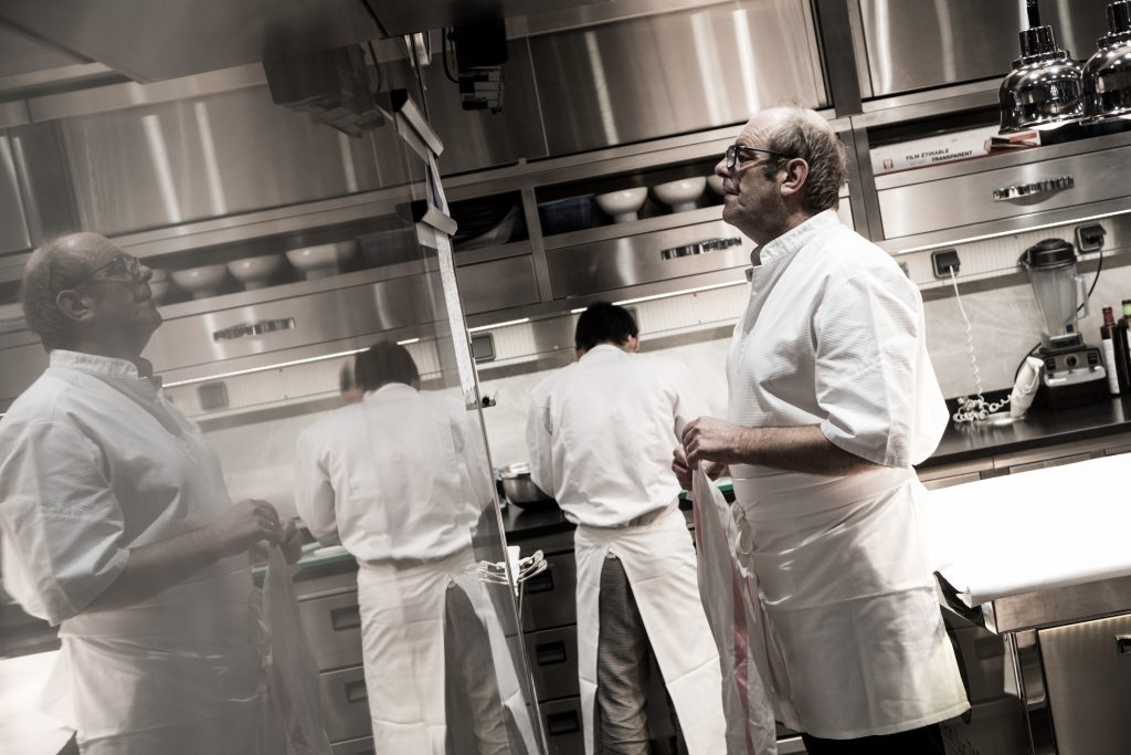 Jean Luc Tartarin dans les cuisines de son restaurant au Havre