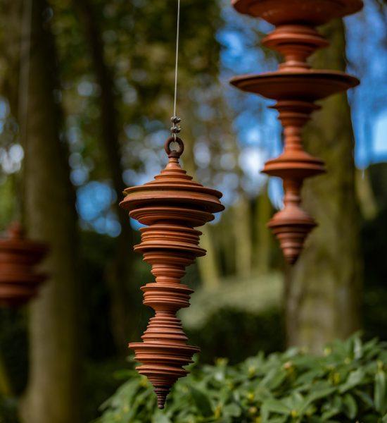 La Méditation, oeuvre en bronze du Jardin Zen dans les Jardins d'Etretat