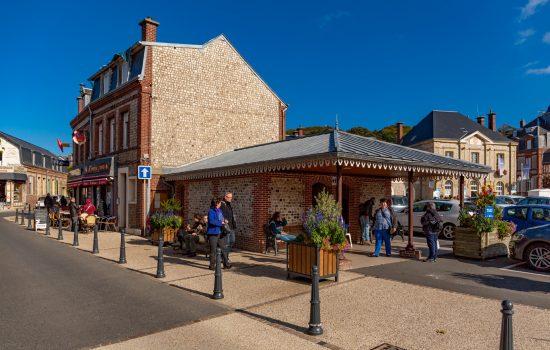 Place Maurice Guillard à Etretat