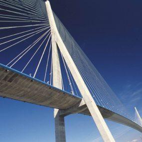 Le pont de Normandie, haubans et plateau