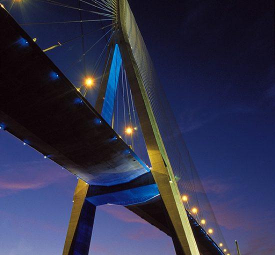 Le pont de Normandie de nuit EN