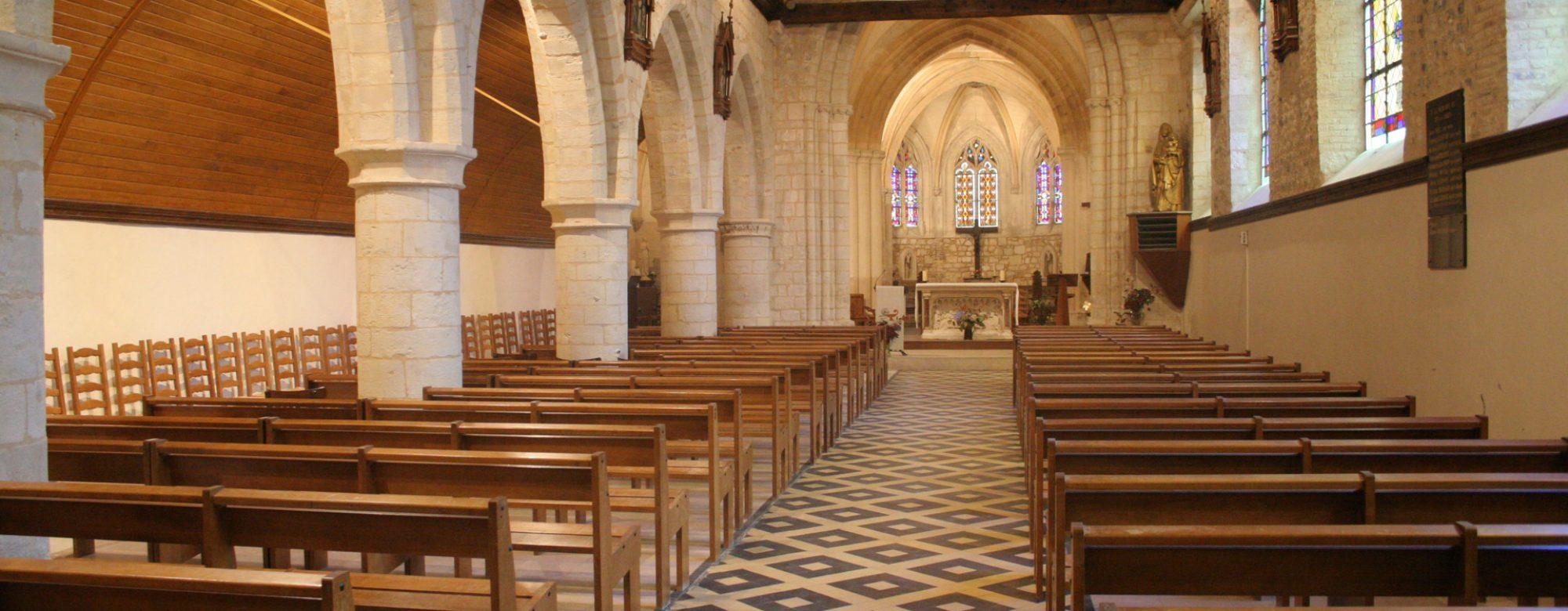 Intérieur de l'église Saint-Martin d'Octeville-sur-Mer
